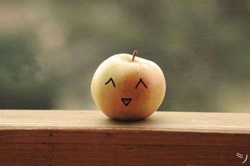 cute_apple_by_lovesumer-d3863om